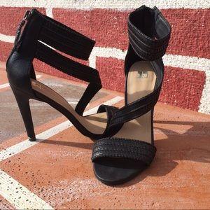 Heels with black embellished detail